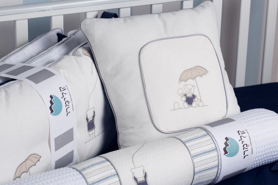 Calimero-pillows-172_lr-900x600