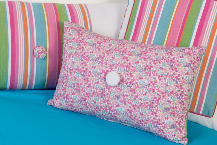 Calimero-pillows-256_lr-900x600